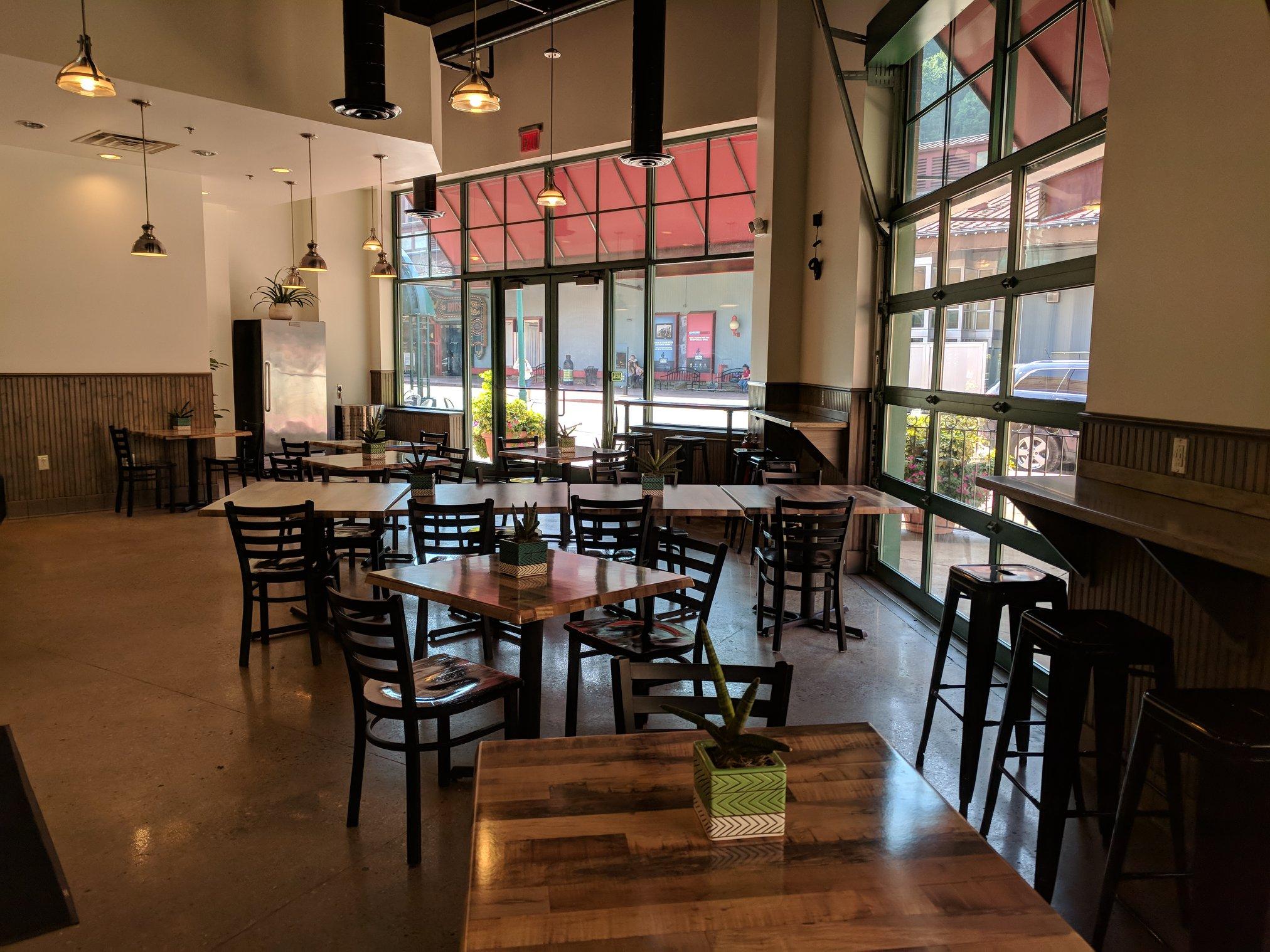 Local Restaurants Near Me: Restaurant Pittsburgh, PA